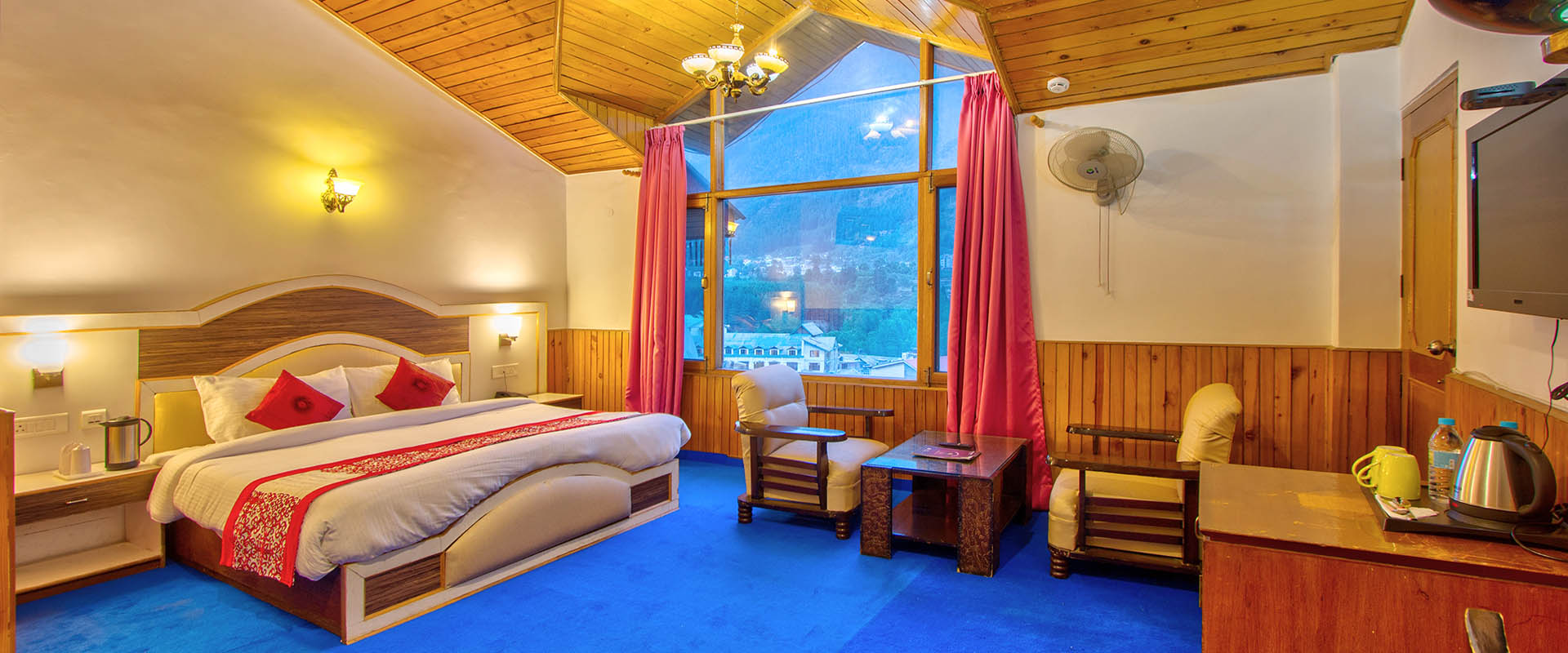 Luxury Cottage Room - Luxury accommodation in manali
