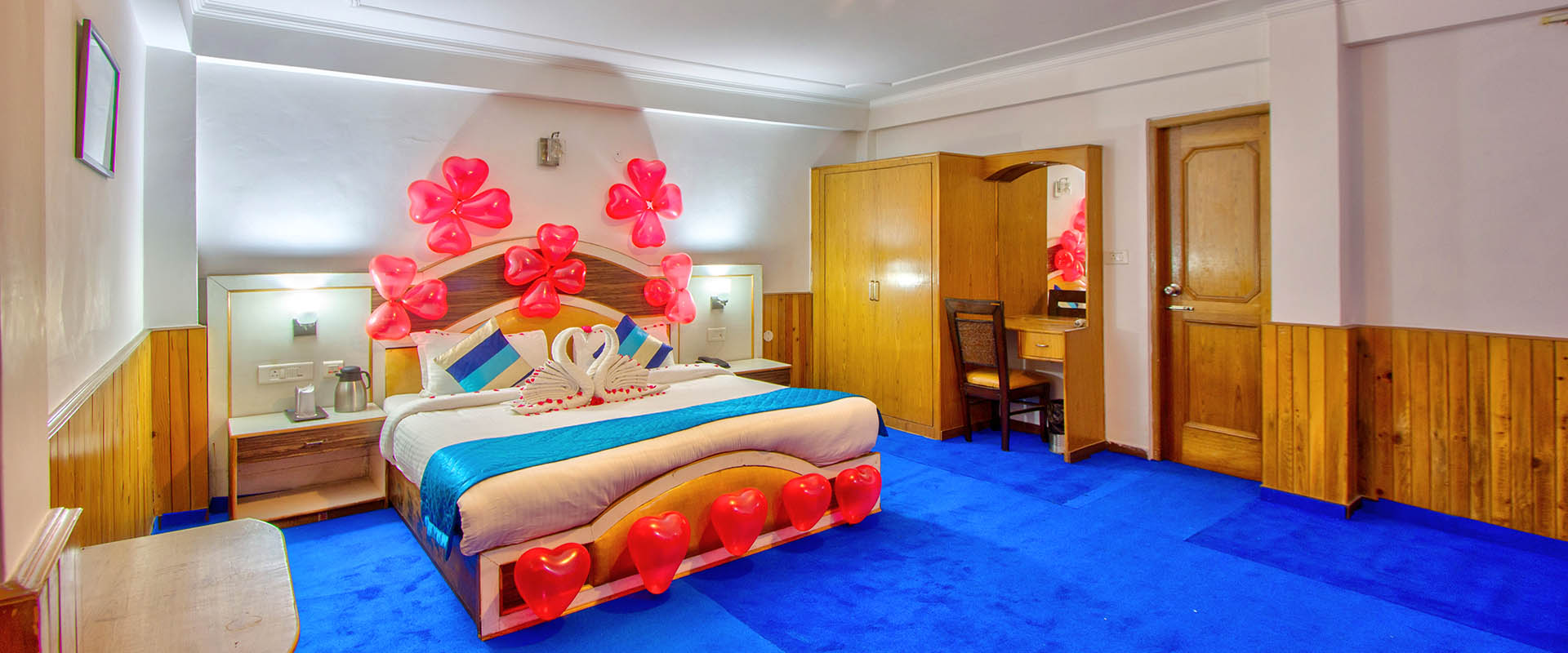 Cottage Sitting Area - Luxury accommodation in manali